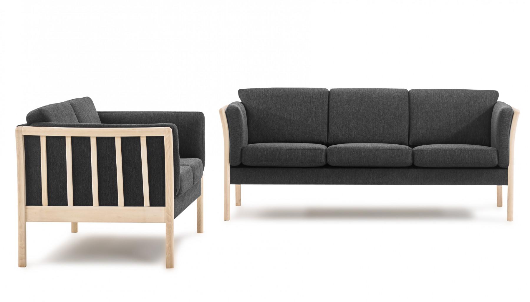 Picture of: Flot Klassisk Sofasaet Med 2 3 Pers Tremme Sofa I Stof Med Stel I Bog